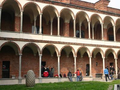 Milano Statale, 24 CFU: iscrizione gratuita per i dottorandi